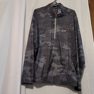 Light weight Gray Camouflage Oakley half zip